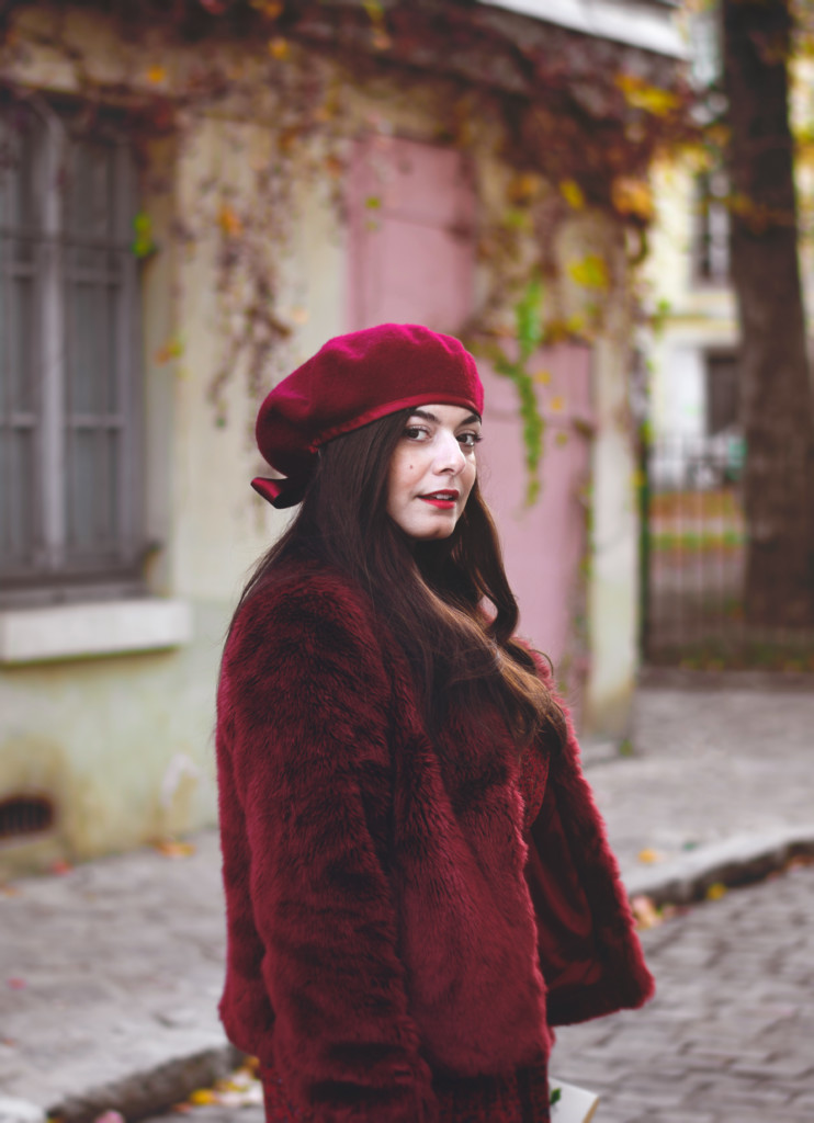 Manteau fausse fourrure rouge grenade Blog Lili Blue Cherry - OOTD (4)